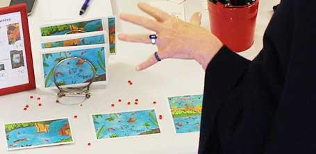 """Cartes postales illustrées par Cloé Perrotin, membre du collectif de créateurs """"Moka la loutre"""" créé par Barroussemania"""
