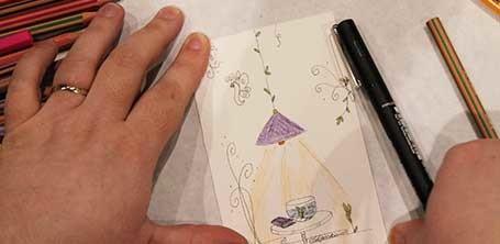 Carte d'un livre sur une table par l'illustratrice Cloé Perrotin