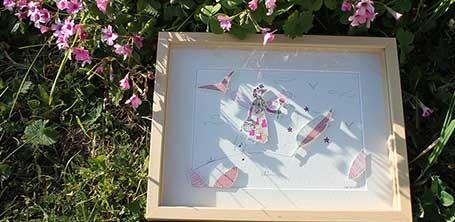 Illustration en relief en papier découpé, encadrée, personnalisée, signée et dédicacée de l'illustratrice Cloé Perrotin