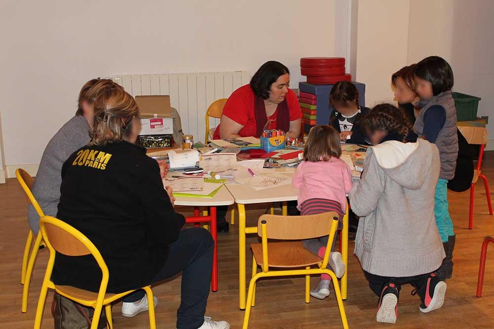 Atelier de l'illustratrice Cloé Perrotin en Salon du Livre
