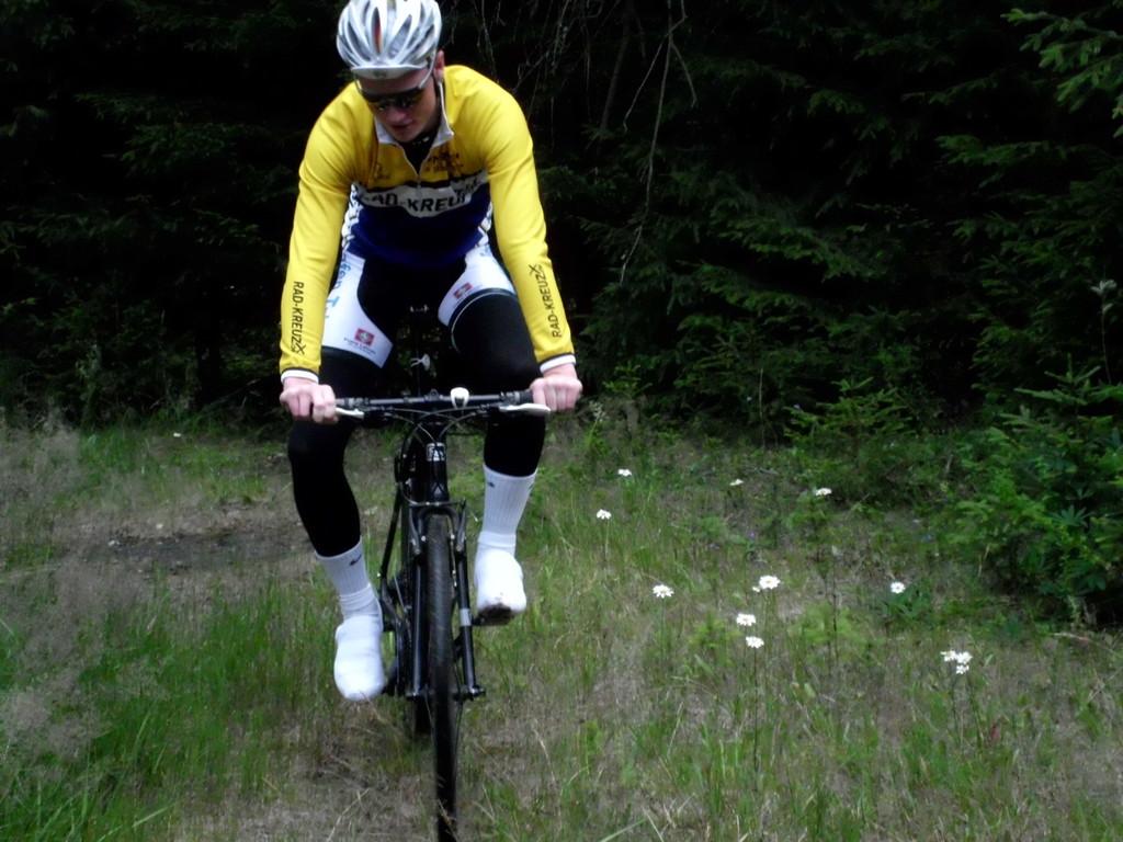 Magnus Saß beim Mountainbiketraining im Harz