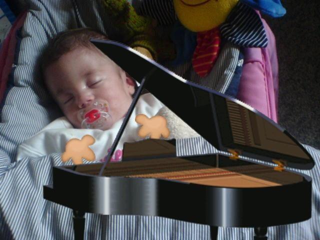 Fynn als Pianist.