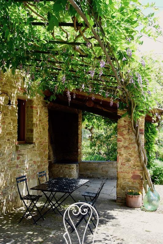 Casafredda Courtyard, Arezzo, Tuscany