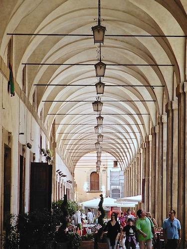 Galleria, Vasari, piazza grande, Arezzo, tourism, Toscana, Tuscany