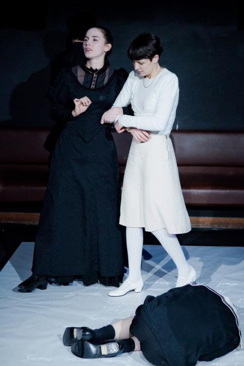 (c) Janine Pichler. THE TURN OF THE SCREW Schauspielhaus Graz. Victoria Halper & Verena Lercher.