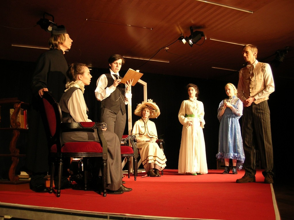 (c) Fran Patelli. THE IMPORTANCE OF BEING EARNEST The Pennyless Players, Literaturhaus Graz