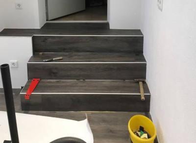 Bodenbeläge Aus Laminat Und Vinyl Gärtner Verputz GmbH - Vinylboden für nassräume