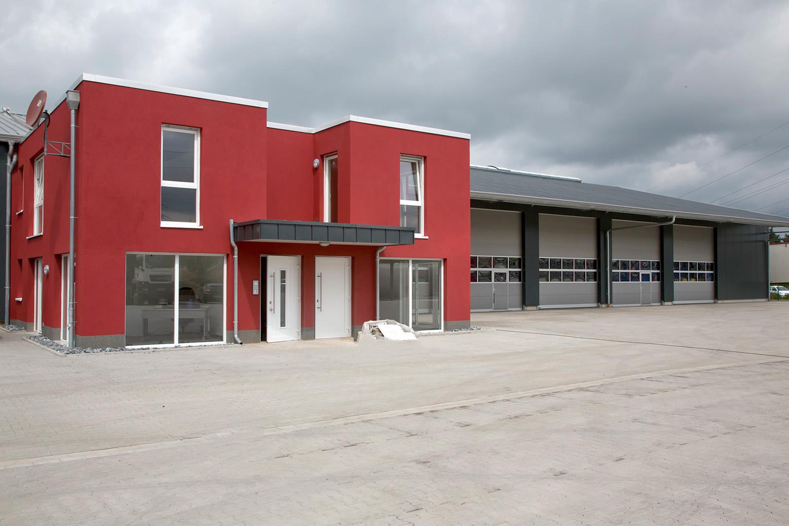 Neubau Fahrzeughalle mit Bürogebäude · Marl-Frentrop