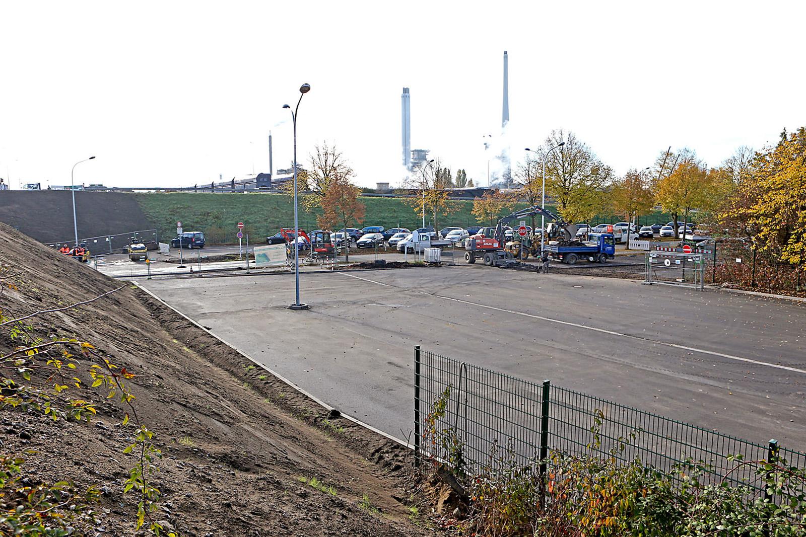 Asphaltarbeiten · Parkplatz Brücke Nordstraße