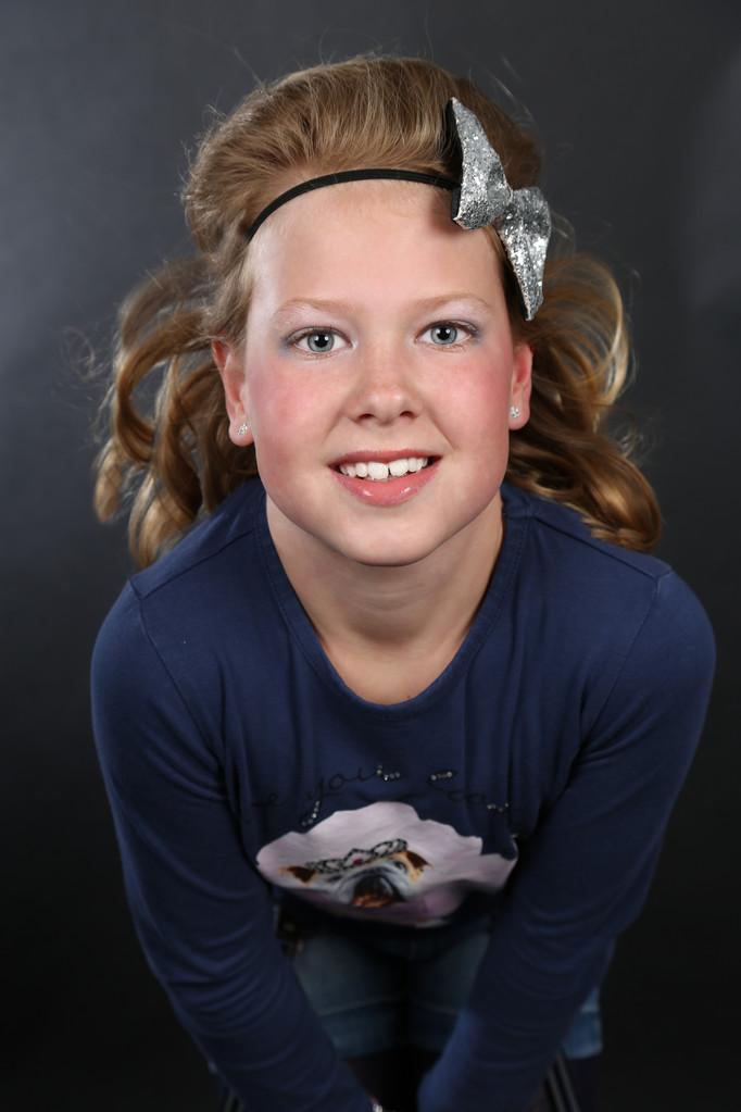 Fotoshoot kinderfeestje, kinderfeestjes, feestje oosterhout, make-up feestje, make-up, beautyparty, tienerfeestjes, Glitter en glamour feest, bsafoto.com, fotostudio, bsafoto