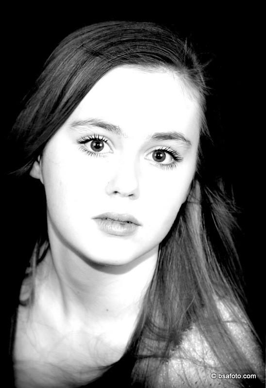 Tiener make up Foto Feest. Glamour Kinderfeestje / Tienerparty, Model voor 1 dag, TOPModel, fotoshoot, bsafoto, Fotomodel, voor een dag, Professionele fotoshoot, Glamourparty, kinderfeestjes, oosterhout, breda,