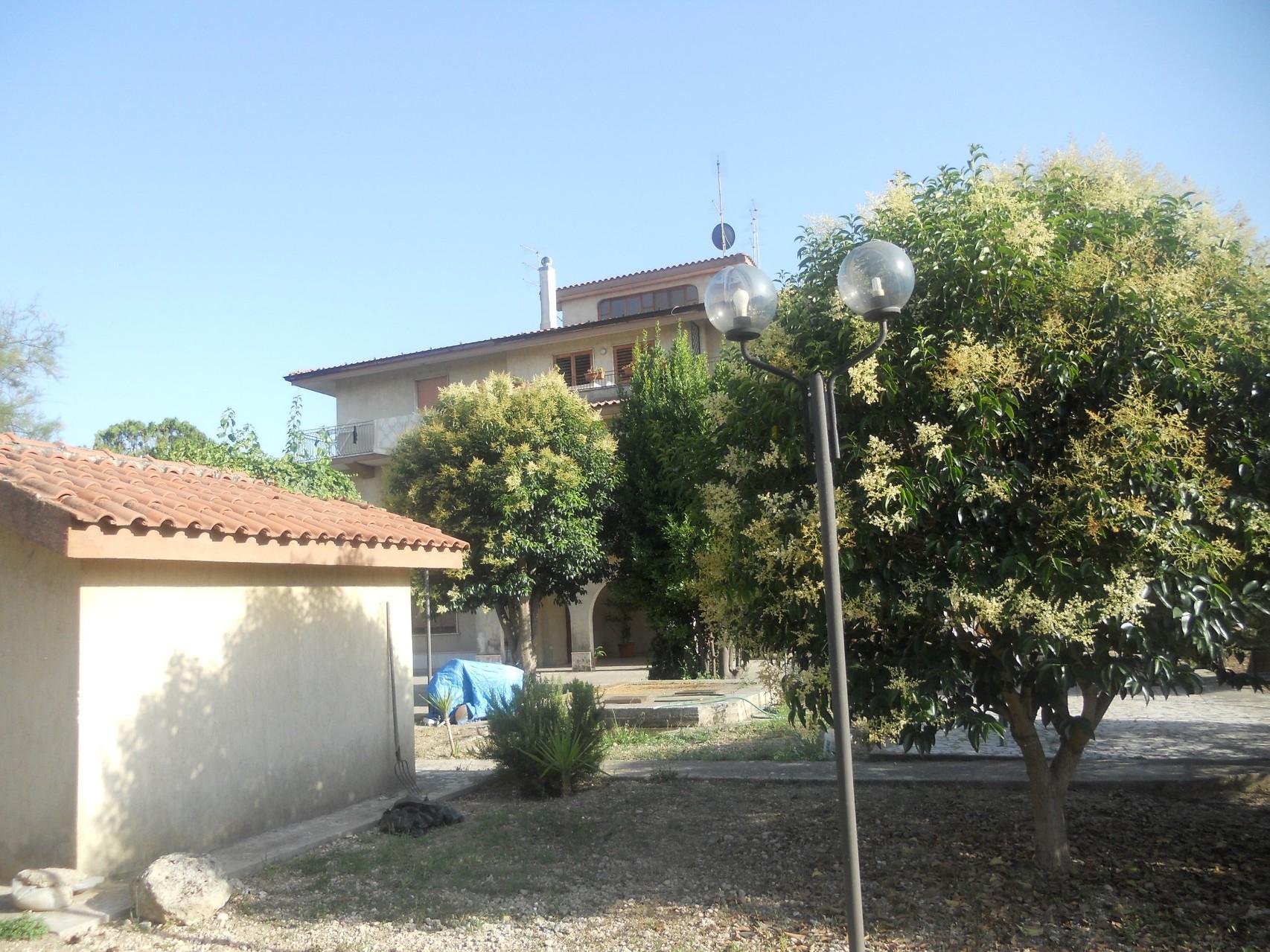 Vista della villa.