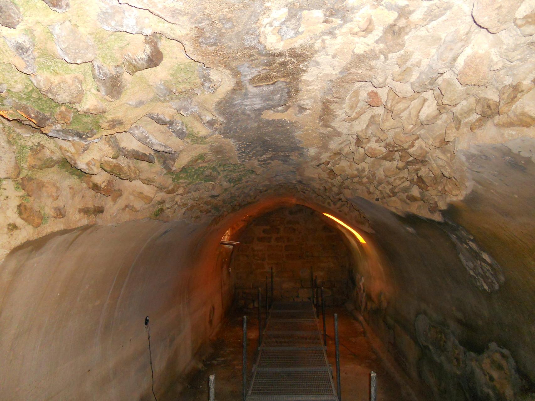 Romeins reservoirin het archeologische park van Saturo.