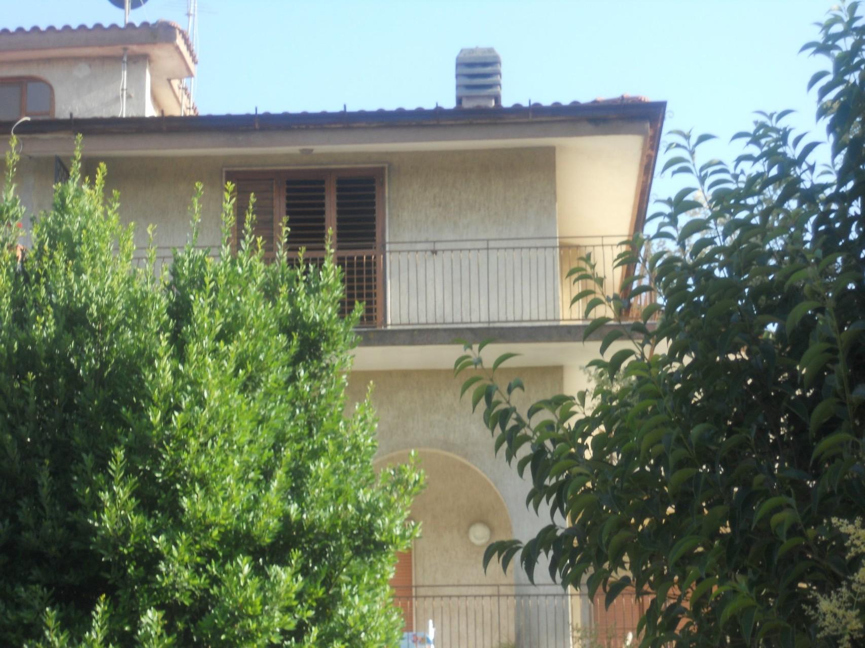 Esterno dell'appartamento al II° piano.