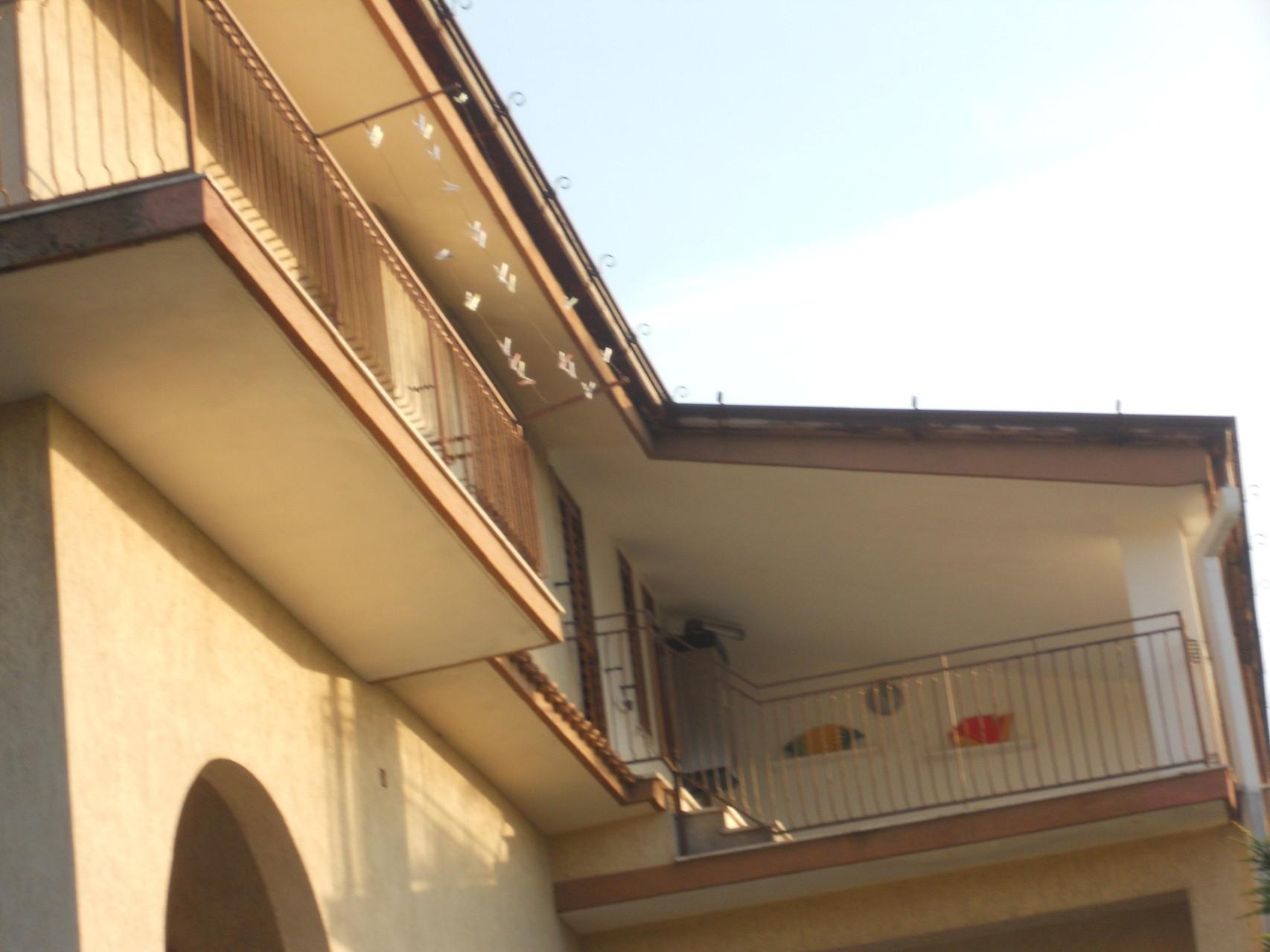 Buitenkant appartement op de IIe verdieping.