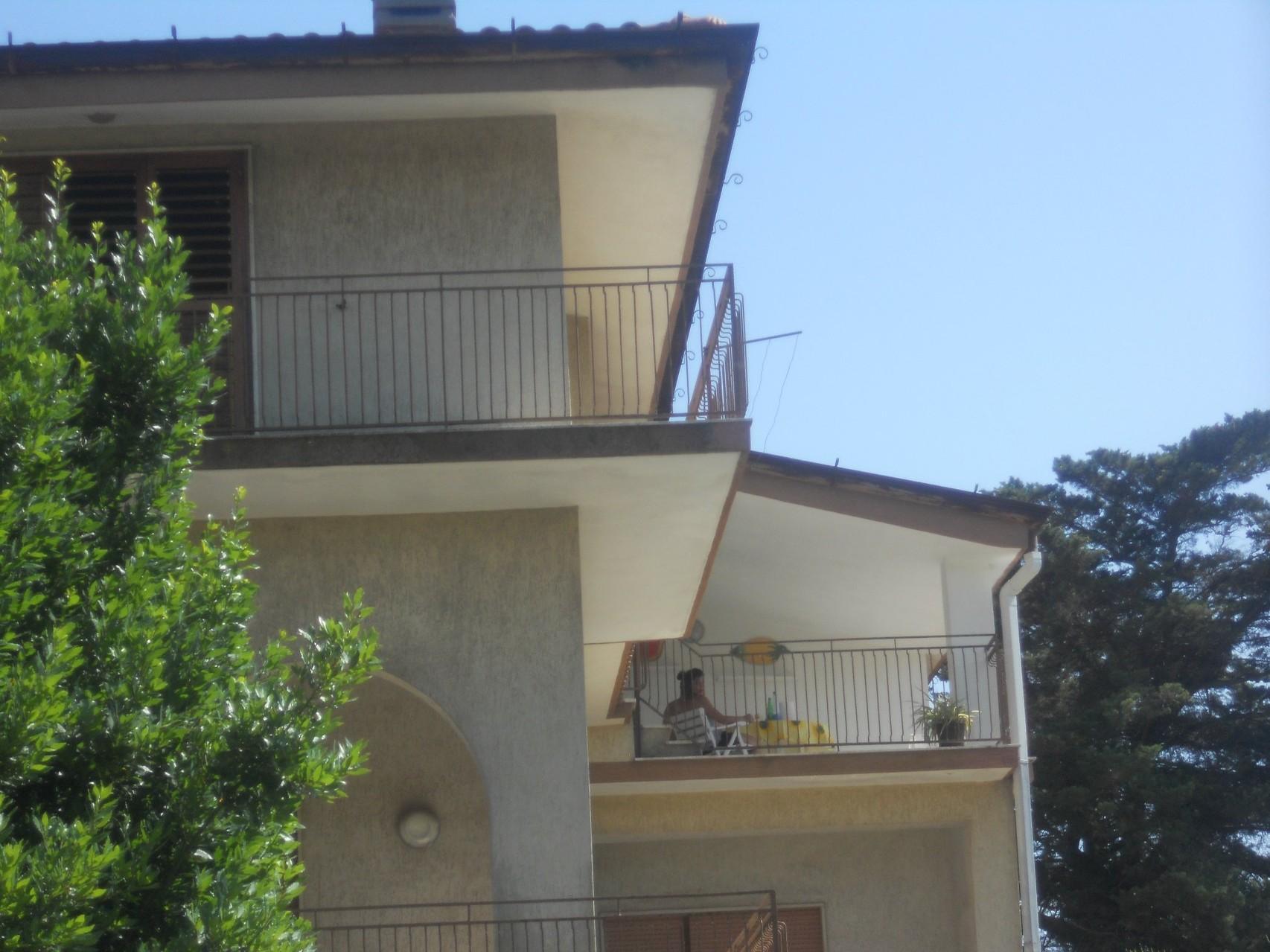 Esterno dell'appartamento al II° piano