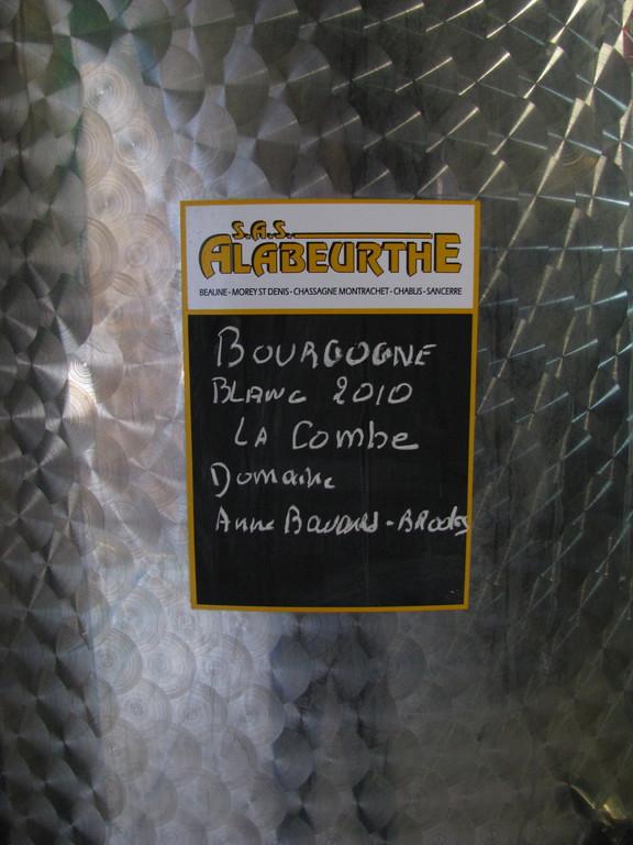 Le vin dans sa cuve avant la mise