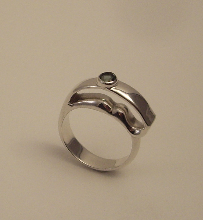 Wave Ring. Sterling Silver, Sapphire