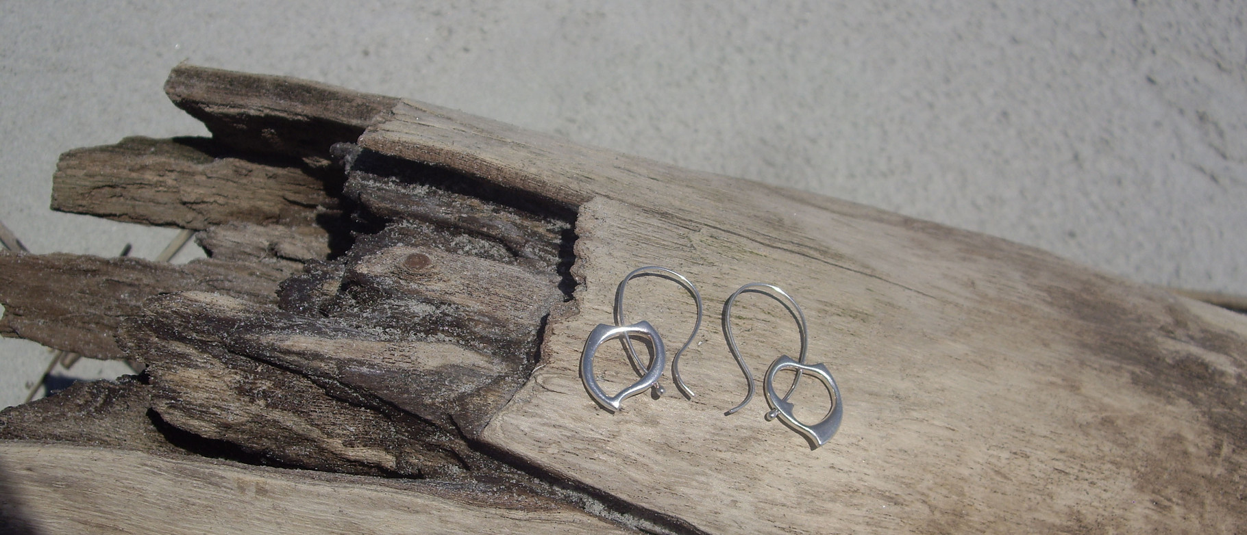 Single Wave Earrings. Sterling Silver