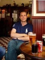 Personne dans un pub Écossais