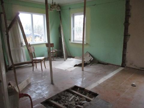 Das Haus innen vor der Renovierung (Aufenthaltsraum)