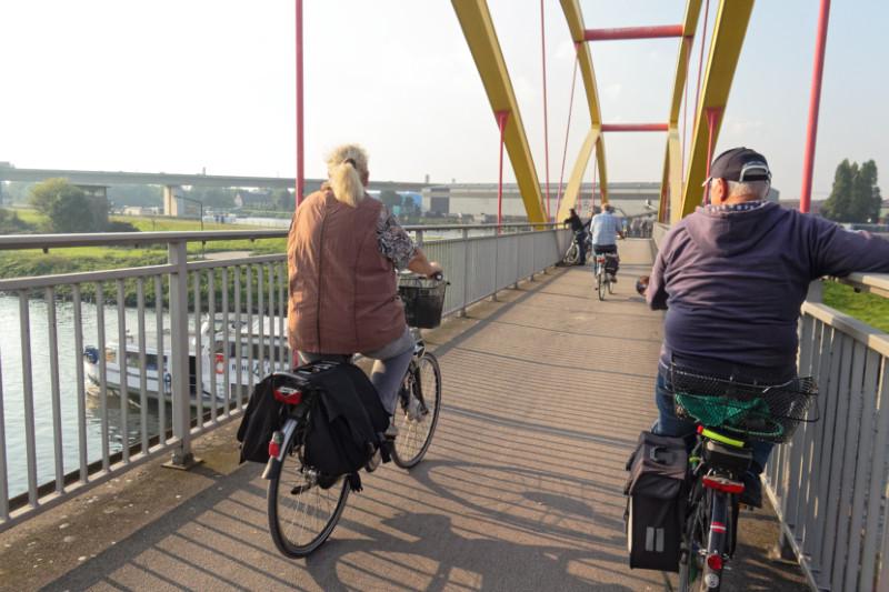 """RuhrtalRadweg in Duisburg (16-35632)"" - Copyright by Franz Walter"