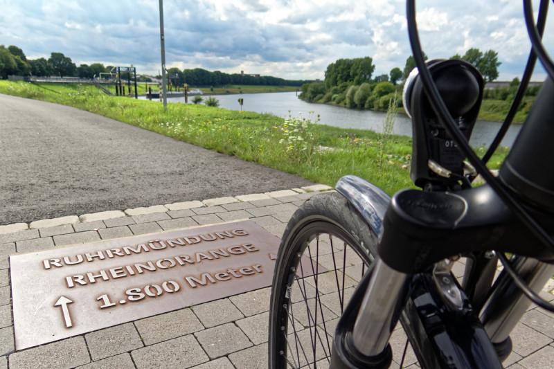 """RuhrtalRadweg in Duisburg (16-34712)"" - Copyright by Franz Walter"