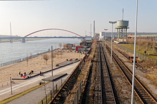 """RheinPark Duisburg (7-08002)"" - Copyright by Franz Walter"