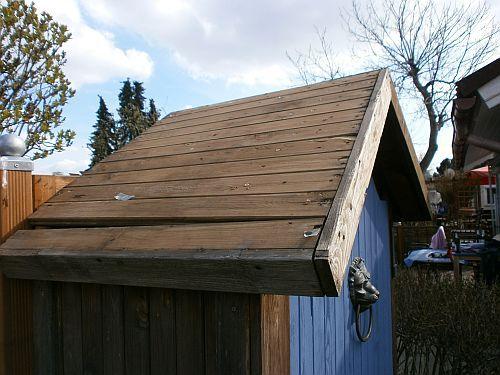Die Dachlatten brauchten dringend Schutz vor Regen