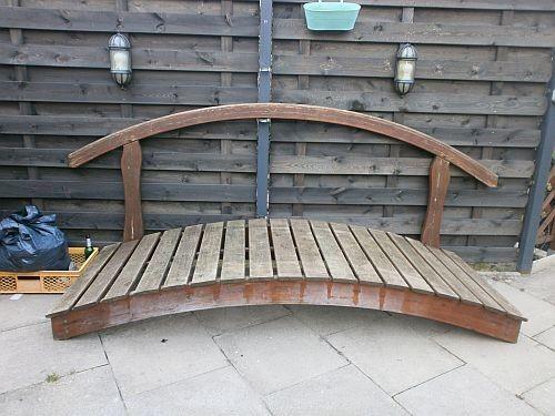 Die Gartenbrücke vor der Überarbeitung