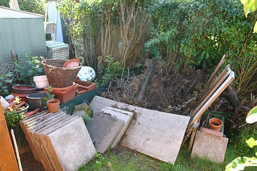 Es entstand der Werkshof wo alle Materialien für den Gartenbau gesammelt wurden