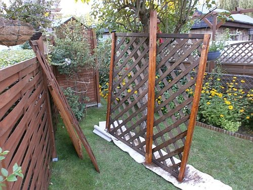 ... die wurde dann noch passend der neuen Maße eingekürzt, repariert und mit Holzschutz lasiert