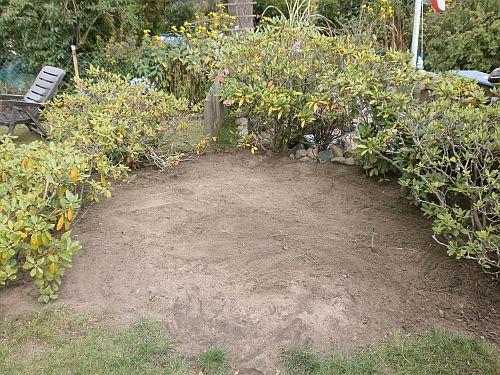 Im Oktober 2012 räumten wir alles auf und ebneten die Fläche