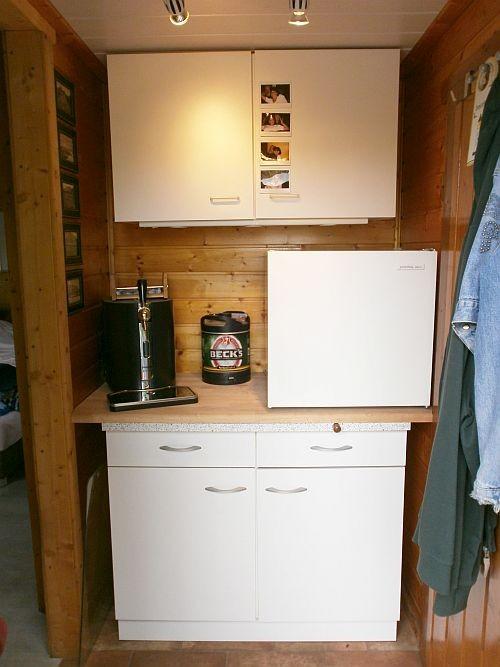 Der Unterschrank soll demnächst gegen eine Geschirrspühlmaschine ausgetauscht werden