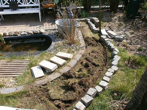 Die Grasnarben wurden entfernt und an der Weinschnecke wieder eingesetzt