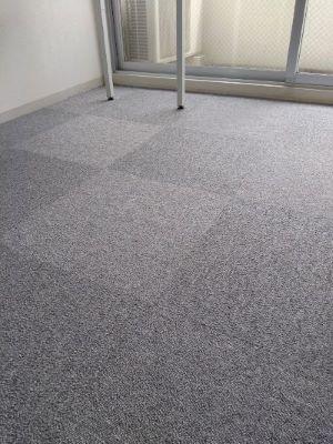 事務所の床にカーペットを貼りました 広島市の税理士 小島陽介税理士事務所
