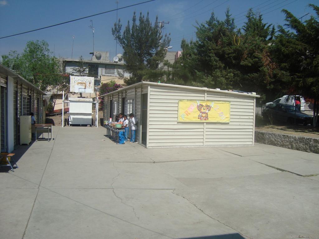 Escuela del programa de donación de libros en Atizapán
