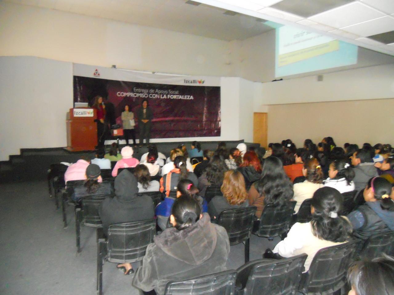 2 Conferencias en Cuautitlán Izcalli, noviembre de 2011, organizadas por el organismo municipal de mujeres.