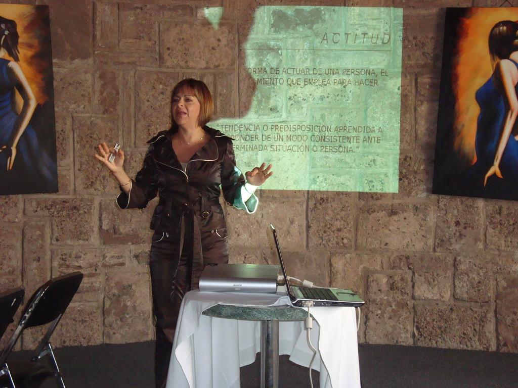 Desayuno-conferencia mayo 2009. excelente Blanca Alencastre