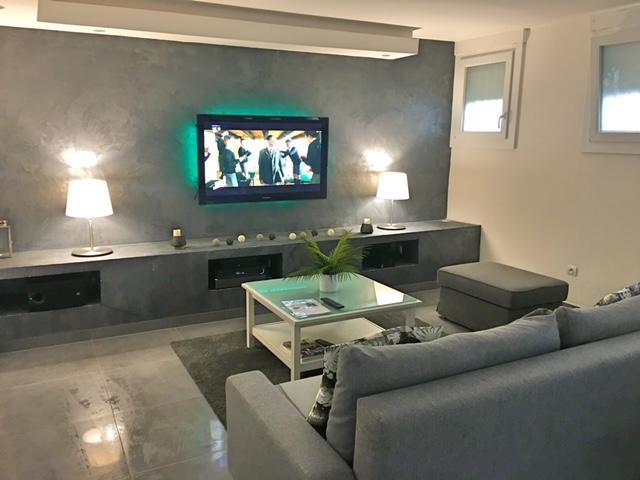 Climatisation, Wifi haut débit, TV 200 chaines, ambiance couleur LED