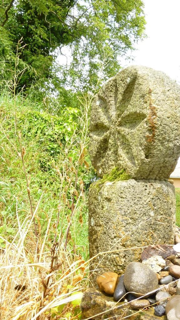Une croix templière en arrivant à Nogaro