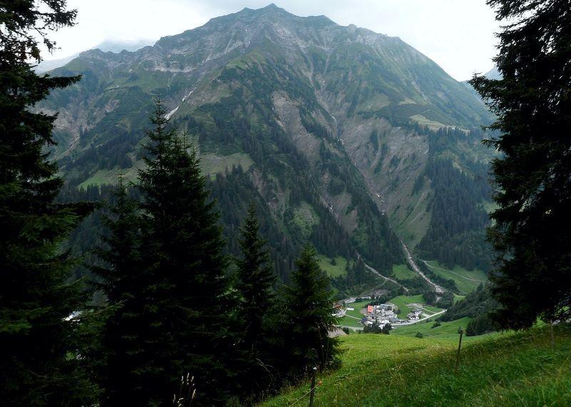 Der Hochberg vom Wanderweg Oberboden-Schmitte