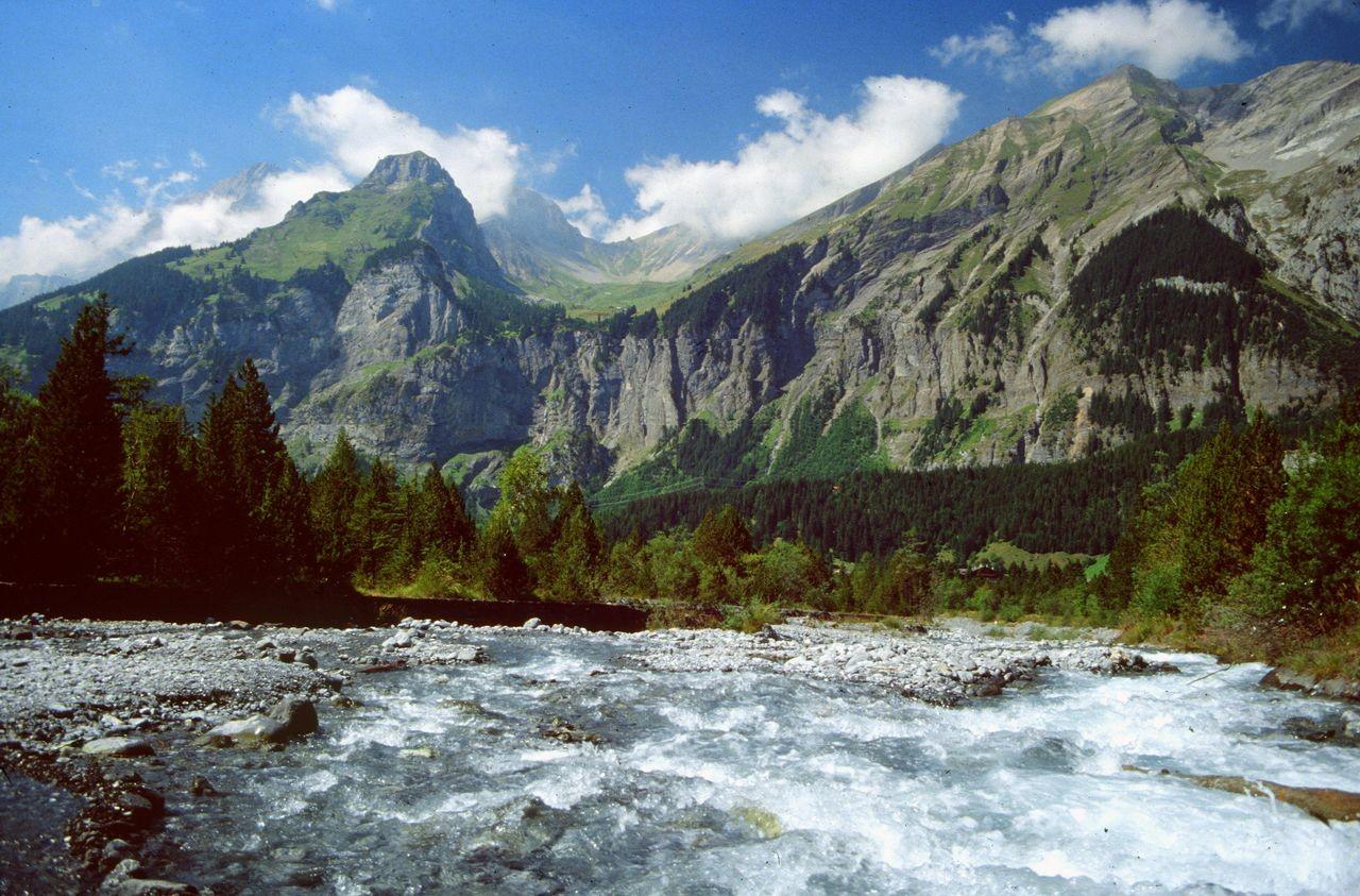 Das Gebiet von Allmenalp und First vom Oeschinenbach aus