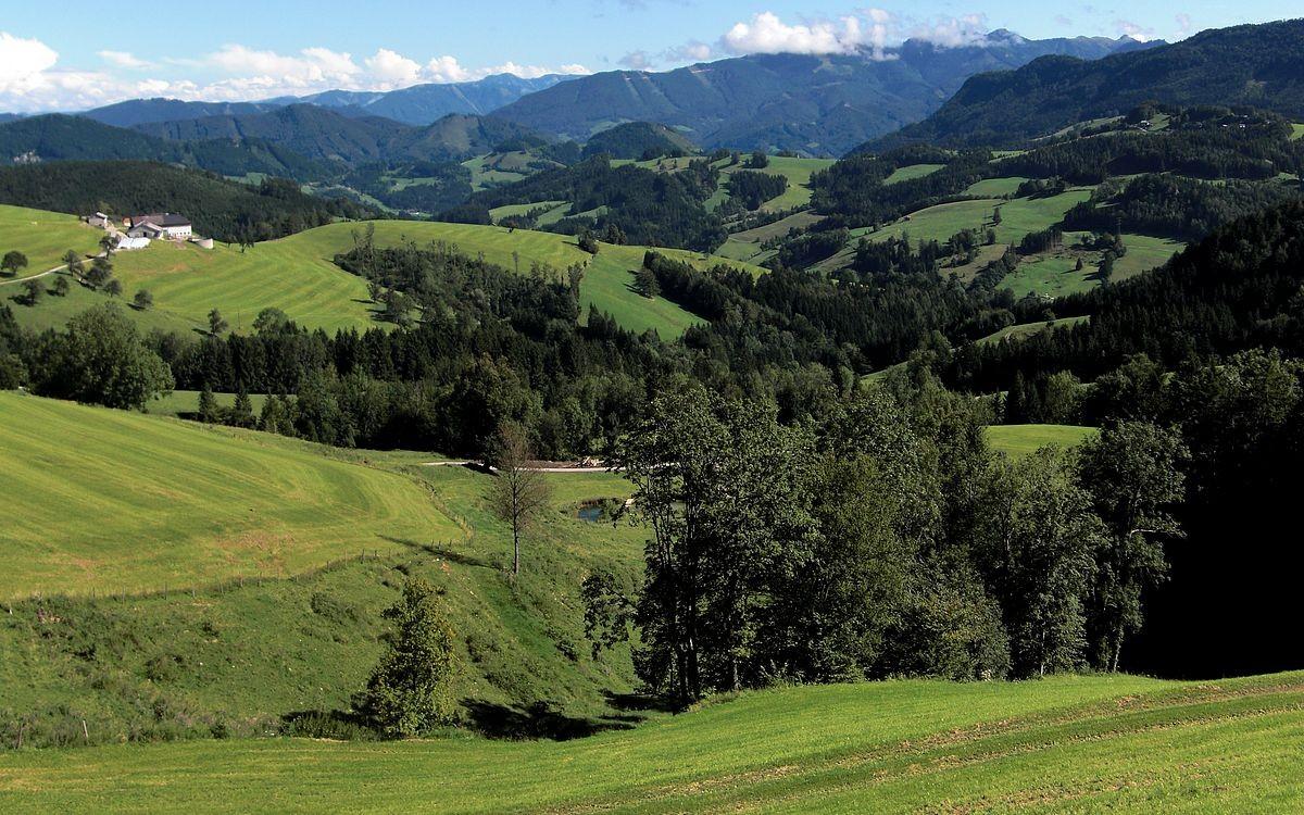 Blick nach Süden auf Rabenreith- und Almkogelgebiet