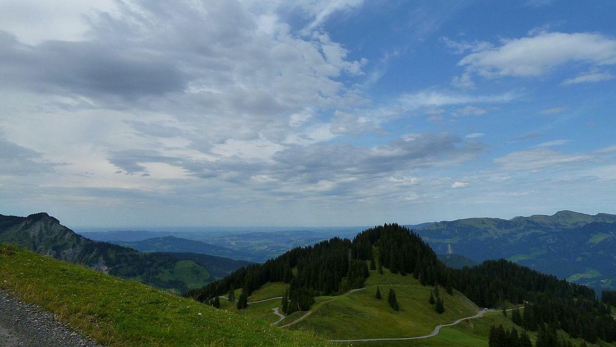 Der Kojenkopf vom Weg zur Bergstation des Suttislifts.