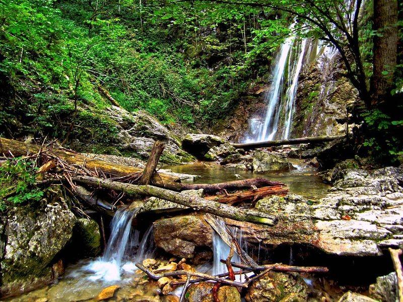 Der schöne Wasserfall in der Holleiten