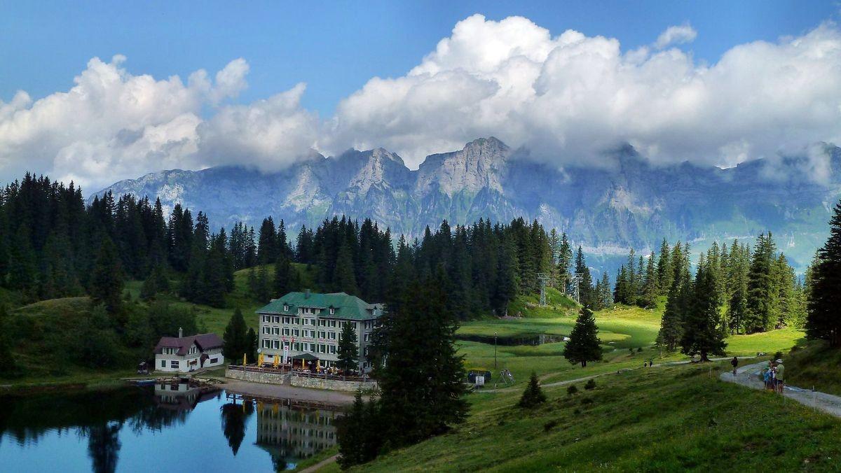 Hotel am Seebensee. Churfristengruppe  im Hintergrund