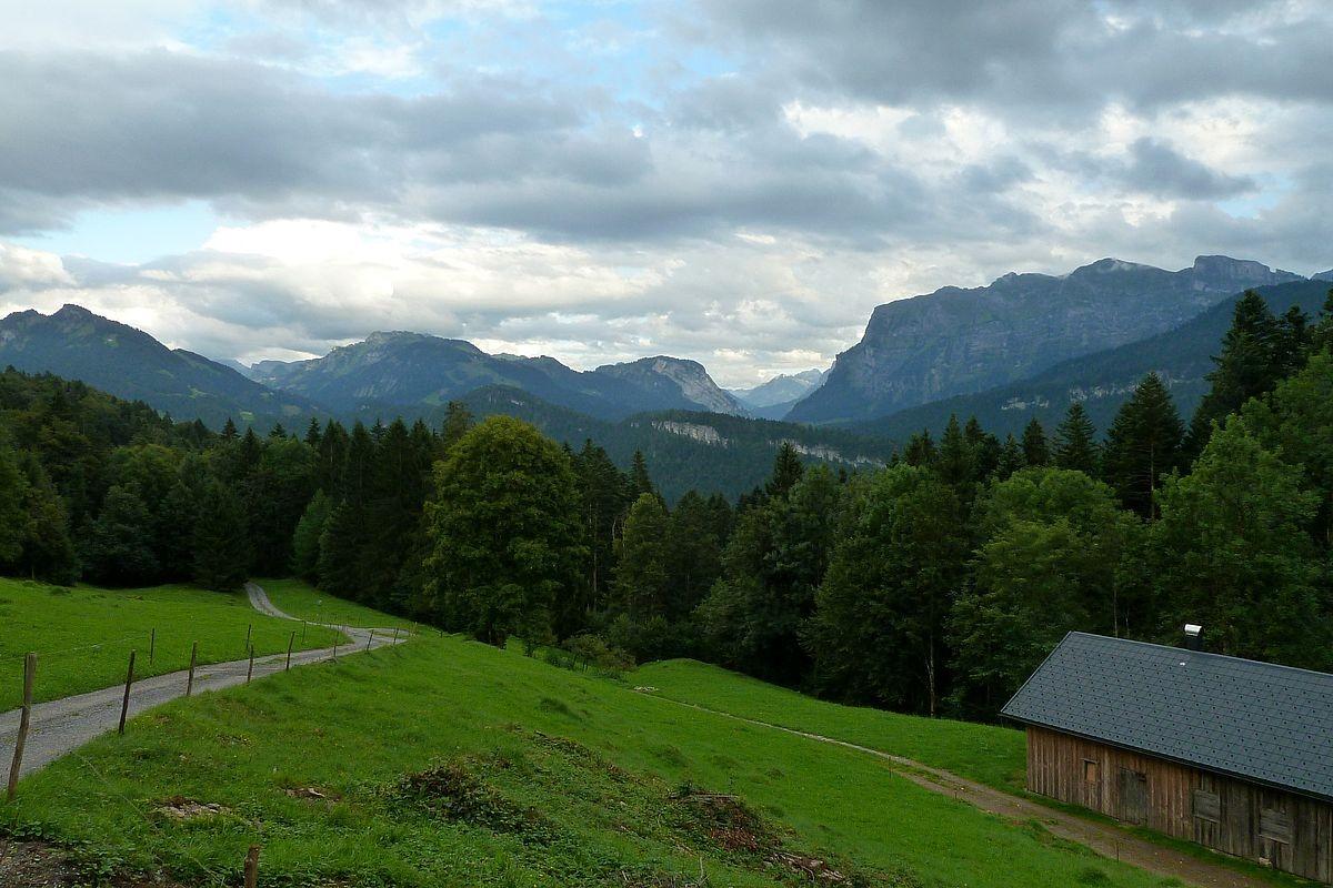Etappe zwischen Klausberg-Rundweg und Bezegg: Sicht zur Kanisfluh