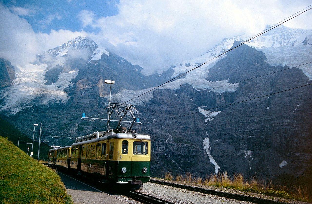 Wengeralpbahn mit Eigergletscher, Mönch und Jungfrau