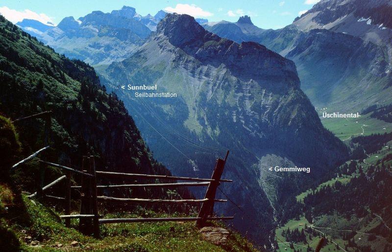 Blick vom Gatter der Fisialp zum Gällihorn und ins Üschinental